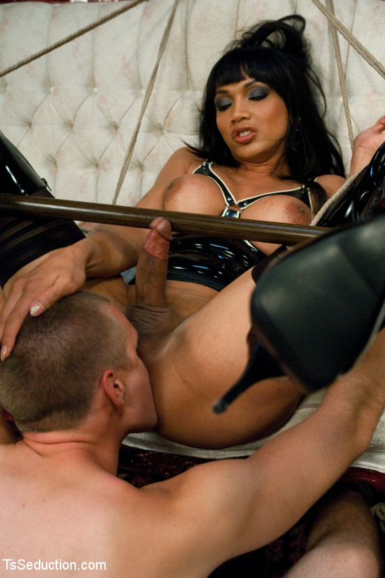 kinky asian shemale yasmin lee having fun with bdsm and