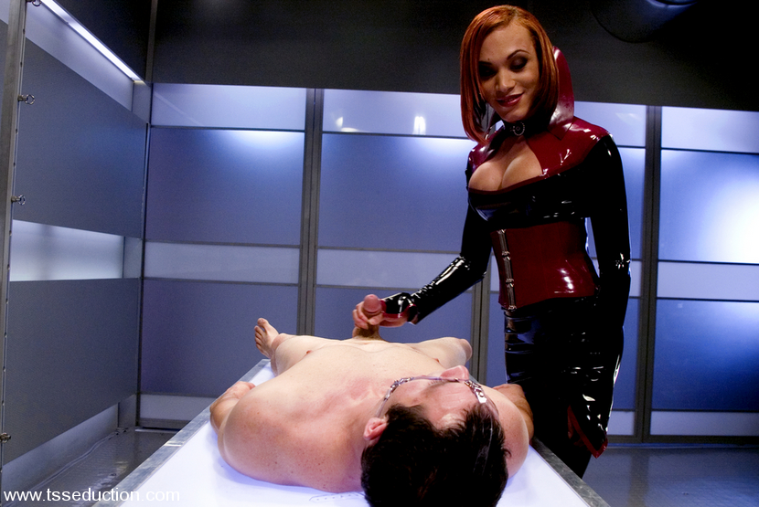 charming bdsm tranny mia isabella dominating a man in her