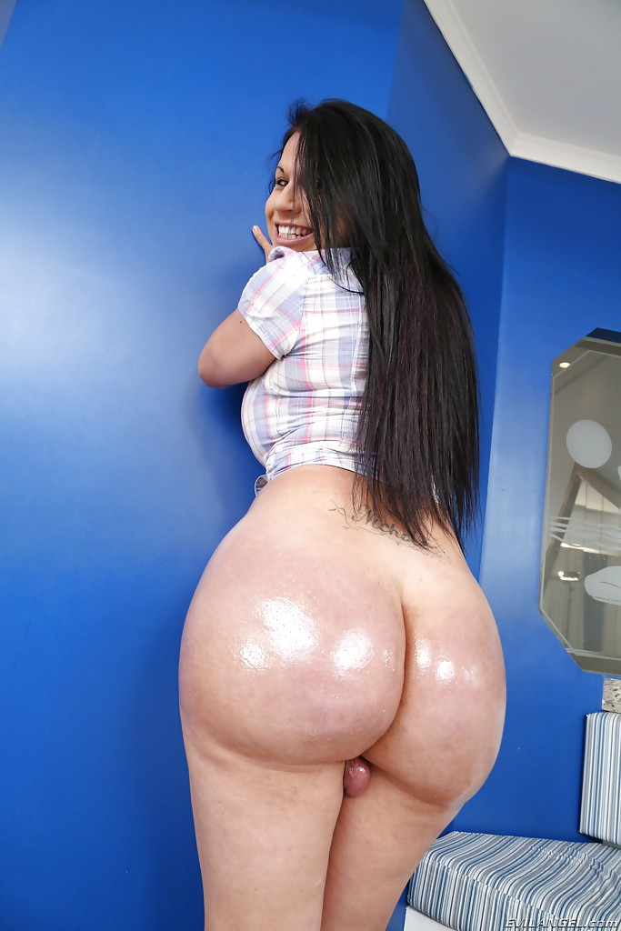 big butt shemale