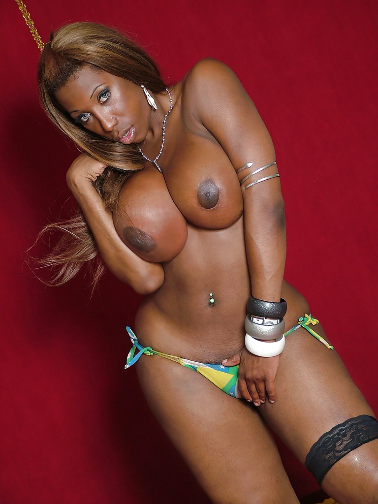 Ebony tranny girl