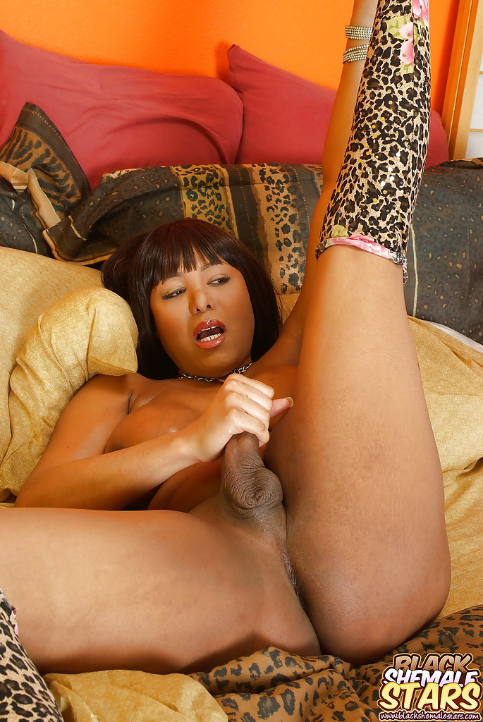Big black girl fingering first time paying